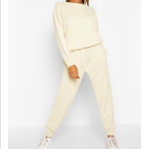 Boohoo matching knitted jumper and jogger set